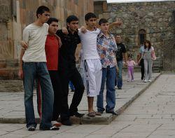 Mladí Arméni