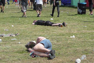 tradièní festivalové mrtvoly