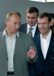 Vladimír Putin a Dmitrij Medvedìv - marná nadìje na oteplení vztahu se Západem
