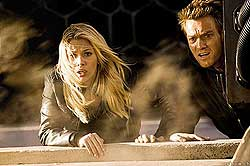 OSTROV - Scarlett Johanson a Ewan McGregor