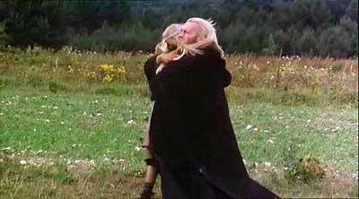 Sudba se naplòuje, Geralt a Ciri se potkávají... Film mùže zaèít. Jenže on konèí.